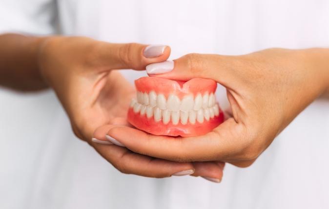 Les prothèses dentaires, une solution aux  dents manquantes