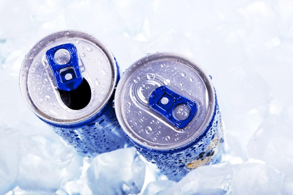 canettes de boissons énergisantes